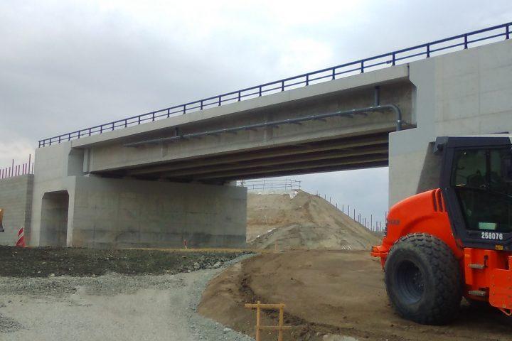 砂子田川橋