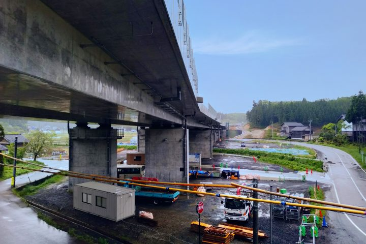 能越道 洲衛高架橋(上り線)